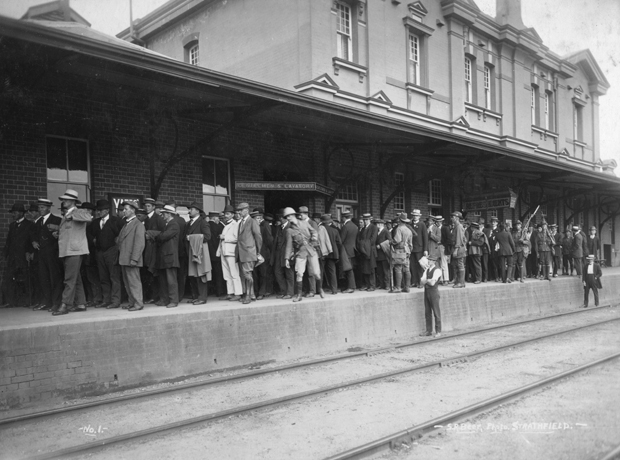 German POWs at Moss Vale Railway Station 1915